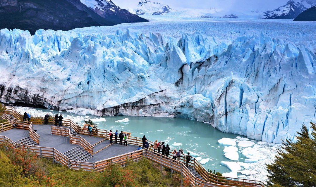 EL CALAFATE PATAGONIA TRAVEL DESTINATION