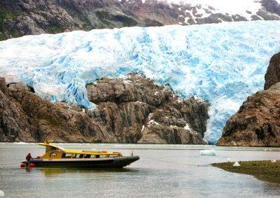 lancha-y-glaciar