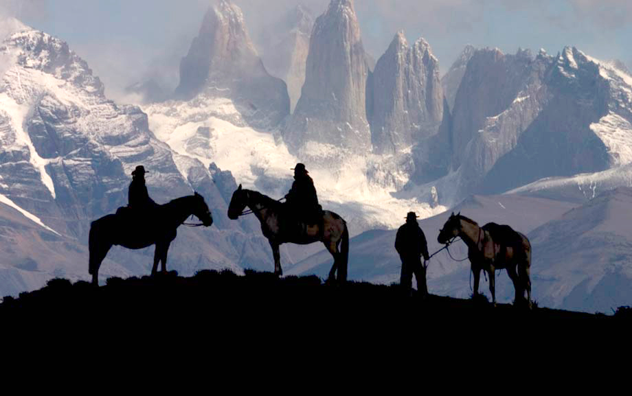 Torres del Paine in Patagonia - by Experience Chile ®