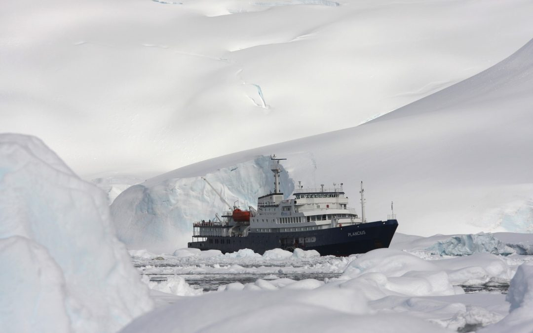 "Antartic Peninsula the ""Classic Antarctic"" Route"